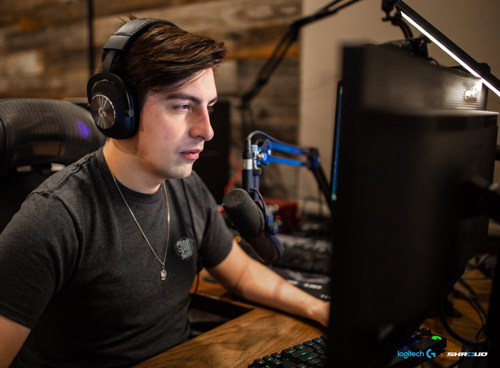 Shroud Using The Logitech G Pro X Gaming Headset